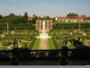 Kenilworth Castle and Elizabethan Gardens